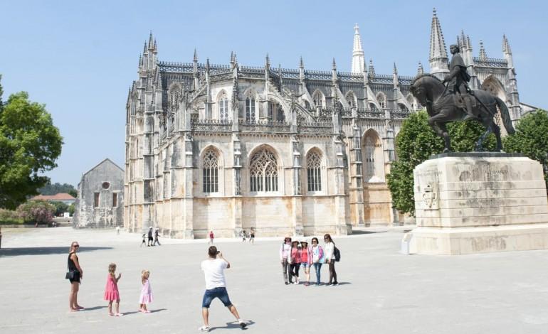 mosteiro-da-batalha-foi-o-terceiro-monumento-mais-visitado-8930