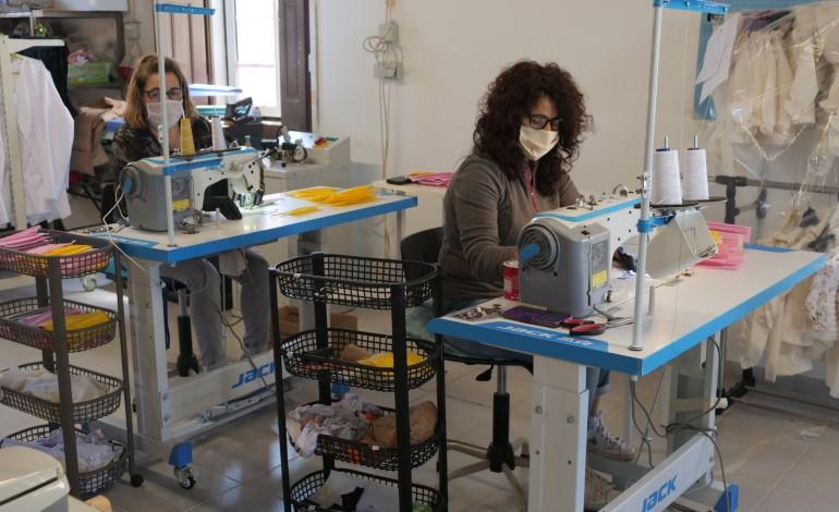 empresa-da-gandara-produz-mascaras-para-ipss-de-leiria